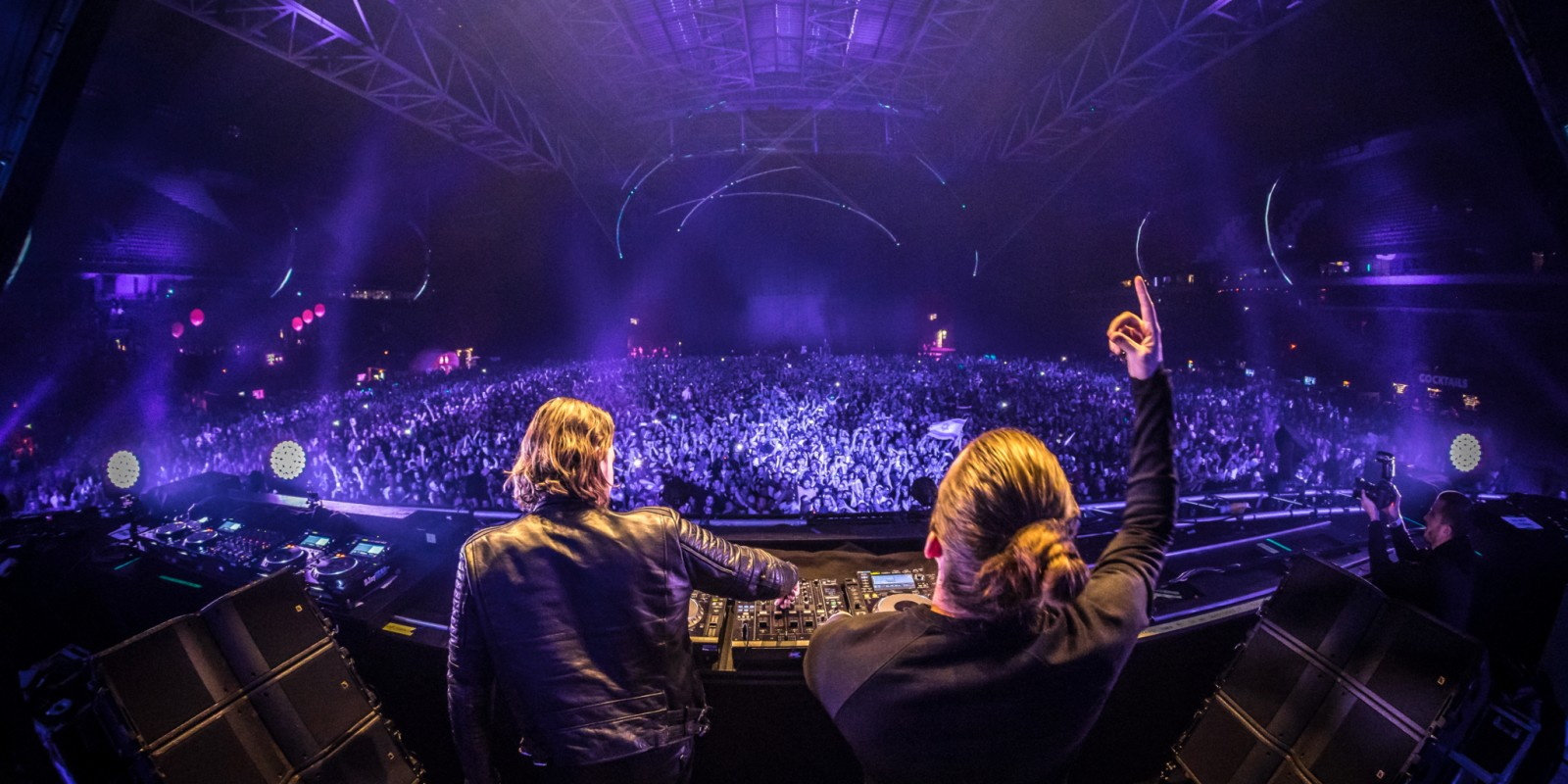 Dimitri Vegas & Like Mike performing at AMF!
