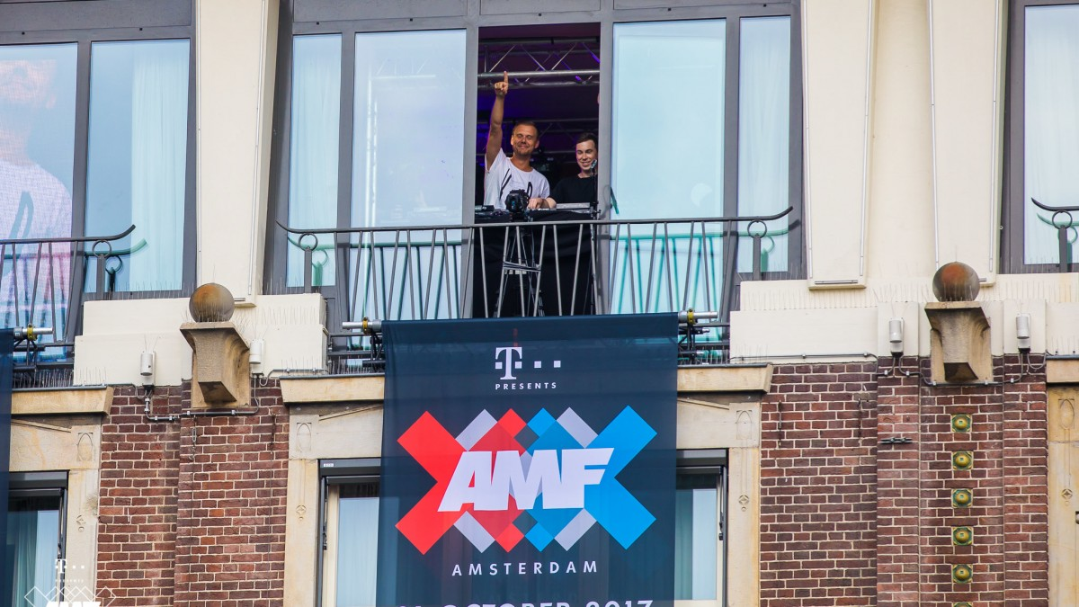 Two Is One announcement Dam Square Amsterdam Armin van Buuren Hardwell
